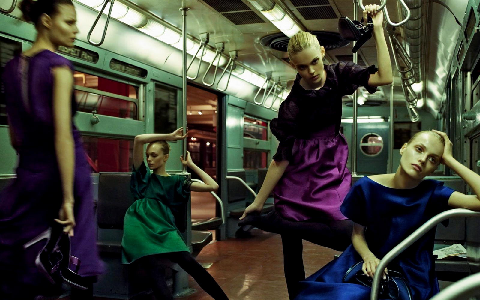 Dolce-and-Gabbana-Models-in-Subway